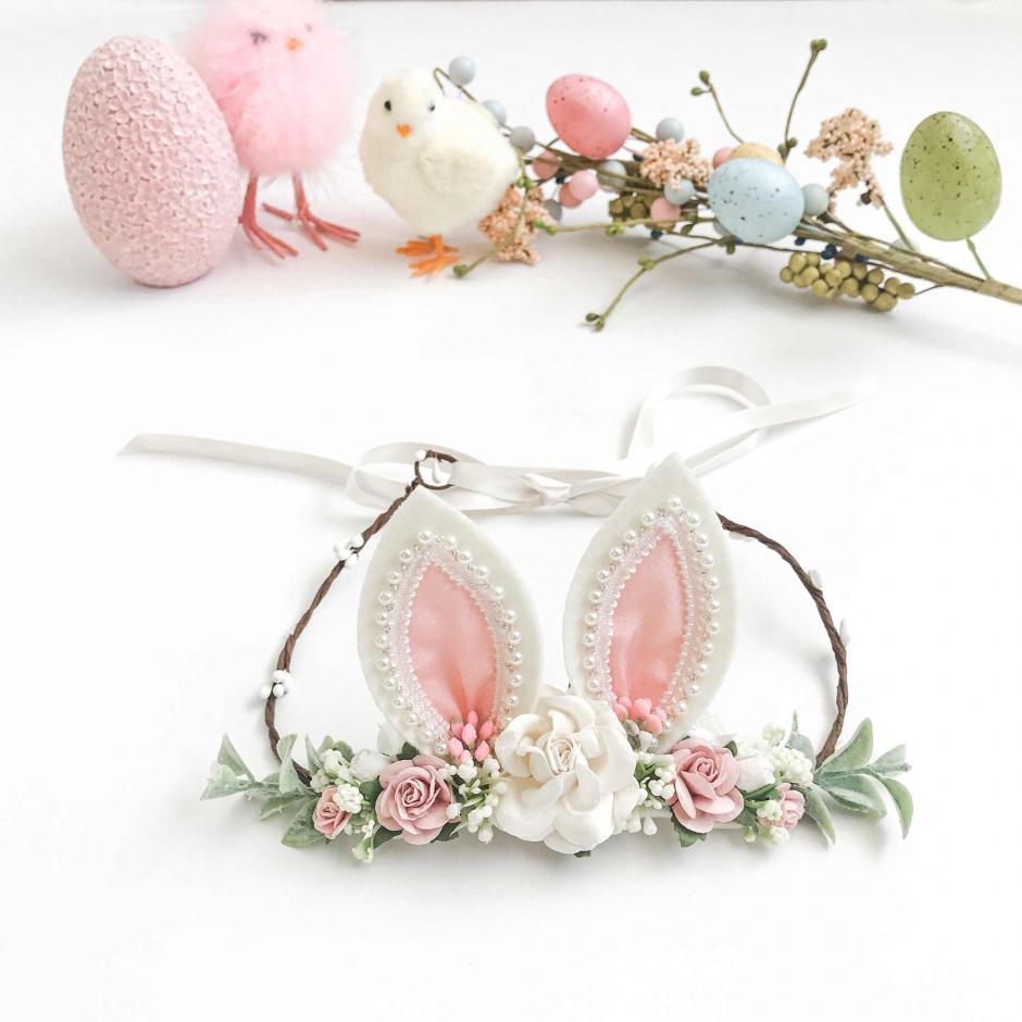 Pink Pearl Bunny Ears Garland2
